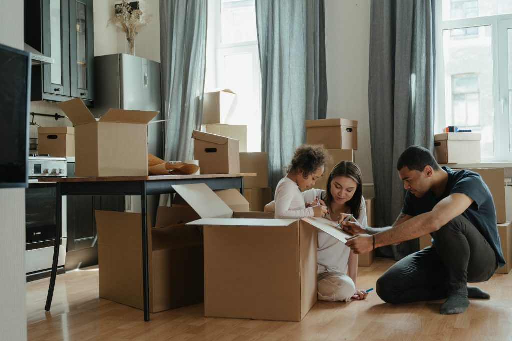 Family moving home | Moving Home Mortgages | Nook Mortgages